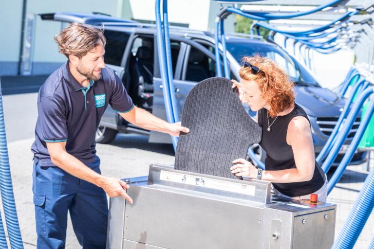 Autoteppich reinigen bei BEST CARWASH